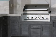 """Visit our internet site for even more information on """"built in grill ideas"""". It is an exceptional spot to get more information. Diy Grill, Barbecue Grill, Outdoor Grill, Grill Area, Kitchen Cabinets, Kitchen Appliances, Built In Grill, Outdoor Kitchen Design, Outdoor Kitchens"""