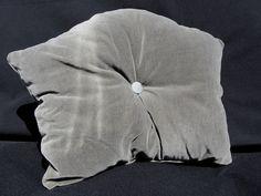 "Kissen ""Sanssouci"", Samt, silbergrau, ca. 30x40 cm von Saskia LAUTH [   ҉   ] LAUTHMOTIV http://de.dawanda.com/product/71200999-Kissen-Sanssouci-Samt-silbergrau-ca-30x40-cm"