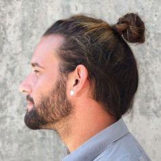 Cool Man Bun Hairstyle with Beard Deep Brown Hair, Long Black Hair, Blonde Streaks, Brown Blonde Hair, Man Bun Hairstyles, Popular Hairstyles, Top Knot Men, Short Ponytail, Thick Beard