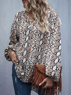 Blazer Chiffon V Neck Long Sleeve Printed Casual Shirt - Power Day Sale#newin #newarrivals #justdropped #newseason #fashionintrend Long Sleeve Tunic, Long Sleeve Tops, Button Up Maxi Dress, Pret A Porter Feminin, Color Khaki, Mannequin, Casual Shirts, Blouse, Floral Tops