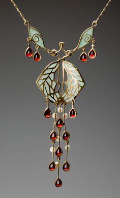 Art Nouveau gold necklace, after Museum of Decorative Arts Prague, Czech R. - Art Nouveau gold necklace, after Museum of Decorative Arts Prague, Czech Republic (hva) - Bijoux Art Nouveau, Art Nouveau Jewelry, Jewelry Art, Antique Jewelry, Gold Jewelry, Vintage Jewelry, Fine Jewelry, Jewelry Necklaces, Jewelry Design