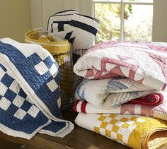 quilts. i vow to make some simple solid quilts before i die.