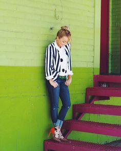🍭Fashion & Lifestyle Blogger  📍 Denver, CO ❤️Jesus  💛 Wifey  💚 Coffee  💙All things color  👻: alenagid90 💌 modaprints.fashion@gmail.com