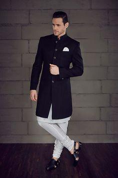 20 Latest Engagement Dresses For Men Mens Indian Wear, Mens Ethnic Wear, Indian Groom Wear, Indian Men Fashion, Mens Fashion Suits, Groom Fashion, Mens Wedding Wear Indian, Wedding Kurta For Men, Wedding Dresses Men Indian