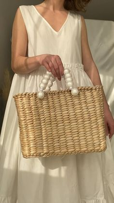 Popular Handbags, Straw Handbags, Diy Purse, Boho Bags, Beaded Bags, Summer Bags, Summer Outfits Women, Knitted Bags, Cloth Bags