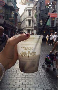 The Wizarding World Of Harry Potter - Diagon Alley Rafaela Sim. - The Wizarding World Of Harry Potter – Diagon Alley Rafaela Simão ❤️ - Harry Potter World, Harry Potter Diagon Alley, Mundo Harry Potter, Images Harry Potter, Harry Potter Universal, Harry Potter Disneyland, Disneyland Orlando, Disneyland Photos, Orlando Disney