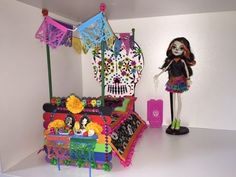 Skelita Calaveras is one of my favorite Monster High dolls, so I decided to make her a bed. Since she is a doll representing the Day of the Dead in Mexican c...