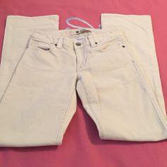 Curvy cords Low rise with flared leg size 6 long length color is a light cream very good condition GAP Pants Boot Cut & Flare