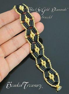 I present you a new bracelet I designed with3-hole Beam beads, 2-hole triangle beads, fire polished beads and seed beads. No tutorial made.