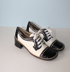 1960s Shoes / Vintage Black White Oxford Shoes ... I would so ROCK this pair!!!!!