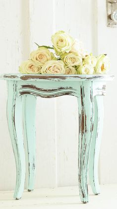 Great tips on painting furniture! I was so intimidated to paint furniture, now I think I'm ready ;-) www.whitelacecottage.com