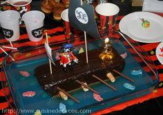 Gâteau d'anniversaire sur le thème pirate