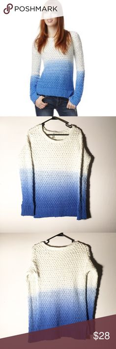 Aeropostale blue ombré sweater Size medium! Very cute and warm! 100% cotton Aeropostale Sweaters Crew & Scoop Necks