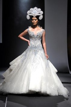 Wholesale High Low Wedding Dress - Buy Michael Cinco Wedding Dresses Ball Gowns V-Neck Tulle Bridal Gowns Lace Appliques Beads Sequins Diamond Backless Sleeveless Chapel Train, $355.14 | DHgate.com