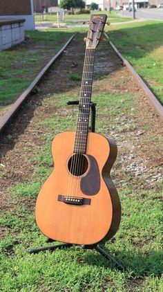 Vintage 1946 Martin 00-18 Acoustic Guitar w/ New Martin Case (1316)