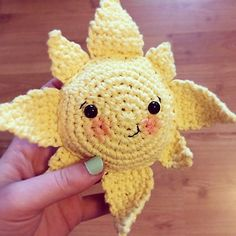 "Summer Little Sun - Free Amigurumi Pattern - PDF - click ""download"" or ""Free Ravelry download"" http://www.ravelry.com/patterns/library/summer-sun-softie"
