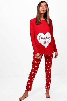 Womens Maternity Coming Soon Heart PJ Set - red - 12 - Take nights in up a notch with our silky soft sleepwearYou'll be saying no to nights out when y. Maternity Lounge Wear, Maternity Pajamas, Maternity Shops, Stylish Maternity, Maternity Clothing, Shakira, Spring Street Style, Trends, Pj Sets