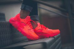 Nike_Air_Huarche_Hot_Lava_683818_800_2