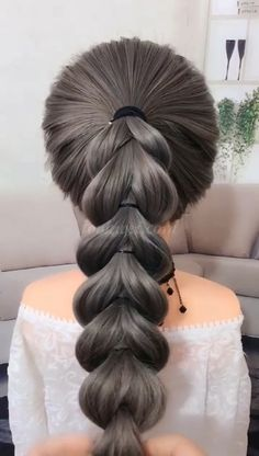 50 video ideas for long hair – Tutorial Per Capelli Ponytail Hairstyles, Girl Hairstyles, Wedding Hairstyles, Hair Ponytail, Hairstyle Ideas, Hair Upstyles, Long Hair Video, Braids For Long Hair, Small Braids