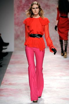 A fall collection look that I continue to be completely enamored with is this juicy Prabal Gurung orange(ish)/red and pink ensemble. It makes me so happy that bright colors are going to be relevant this fall!