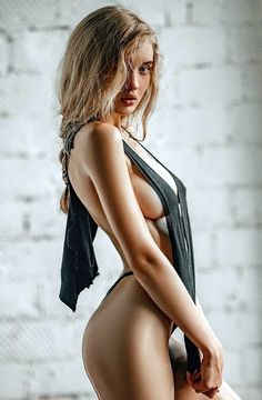 The beauty of woman, in all its forms. Beautiful Long Hair, Black Is Beautiful, Hot Blondes, Black Lingerie, Sexy Hot Girls, Sexy Bikini, Female Bodies, Boho Fashion, Sexy Women
