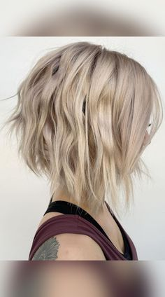 A little volumizing spray can bring out texture to jazz up a choppy cut. Visit our website to see our collection of popular choppy bob hairstyles. Photo credit: Instagram @shmoakin_hair Choppy Bob Hairstyles, Latest Hairstyles, Easy Hairstyles, Choppy Cut, Textured Bob, Cut And Style, Bob Cut, Photo Credit