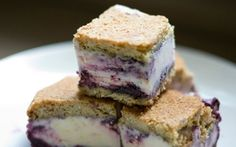 These lemon ice cream sandwiches with blueberry swirl are a real summer treat. Lemon Ice Cream, Vanilla Ice Cream, Blueberry Compote, Summer Treats, Sweet Tooth, Sandwiches, Cheesecake, Favorite Recipes, Sweets
