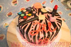 Tussi-Torte mit Waldbeerbuttercreme