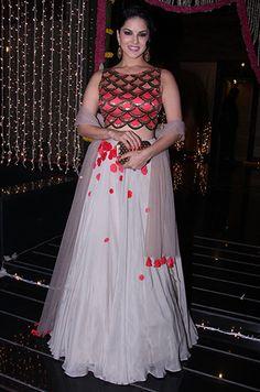 Sunny Leone in a Dinesh Malkani lehenga. Bollywood Suits, Bollywood Girls, Bollywood Fashion, Indian Attire, Indian Wear, Indian Dresses, Indian Outfits, Diwali Fashion, Lehenga Crop Top