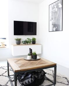 Floating Tv Shelf, Small Space Interior Design, Rustic Coffee Tables, Small Room Bedroom, Entryway Decor, Interior Inspiration, Living Room Decor, Diy Home Decor, Furniture