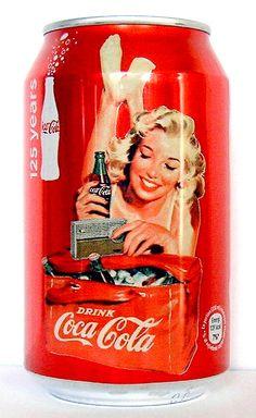 Vintage design on Coca Cola can Coca Cola Decor, Coca Cola Can, Always Coca Cola, World Of Coca Cola, Coca Cola Bottles, Pepsi Cola, Coca Cola Vintage, Cola Light, Root Beer