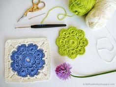 Pattern Granny square con flor http://myrosevalley.blogspot.ch/2013/06/maybelle-square-crochet-pattern.html