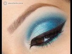 maquiagem sombra azul com diferentes tons