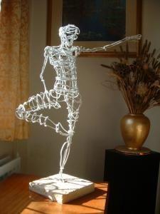 Ballerina Wire Sculptures Martin Wright Artist - Sculpture - Print the sulpture yourself - Ballerina Wire Sculptures Martin Wright Artist Wire Art Sculpture, Paper Mache Sculpture, Sculpture Projects, Wire Sculptures, Art Projects, Abstract Sculpture, Chicken Wire Sculpture, Sculptures Sur Fil, Stylo 3d