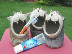 Cat Toothbrush holder hand-made pottery from Muggins Pottery in Leicestershire - wedding gifts birthday presents christening presents and anniversary gifts Pottery Animals, Ceramic Animals, Clay Animals, Ceramics Projects, Clay Projects, Ceramic Clay, Ceramic Pottery, Clay Cats, Hand Built Pottery