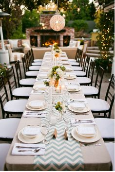 Love the table cloth and set-up. Perfect for a backyard event.
