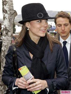 Duchess Catherine's black fedora hat, 2008