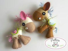 Horsy PDF sewing pattern-DIY-Felt Horse toy di LittleThingsToShare