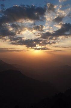 Beautiful sunset on Wudang Mountain >>> gorgeous!