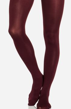 Semi-opaque tights with a seamed toe and comfort seams on crotch area.