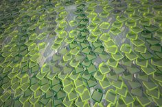 Leaf-shaped solar panels could coat buildings like ivy | Biomimicry | Scoop.it