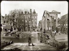 Apps voor Amsterdam: Jacob Olie - foto's van Amsterdam, Teertuinen, brug tussen Galgenstraat en Sloterdijkstraat.