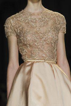 ellaphoa:  phe-nomenal:  Elie Saab Spring 2013 Haute Couture  A blog of vintage, lace, elegance.