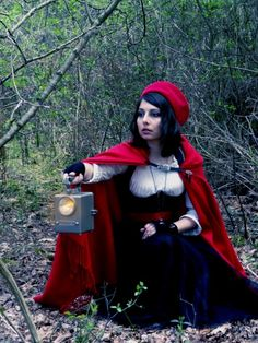 steampunk red riding hood - costume - chaperon rouge - fairytale inspiration - cosplay