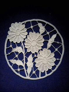 Romanian Point Lace Crochet: Margherite Needle Tatting, Needle Lace, Bobbin Lace, Irish Crochet, Crochet Motif, Diy Crochet, Bruges Lace, Romanian Lace, Types Of Lace
