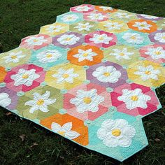 beflowered quilt by Amanda Murphy Design