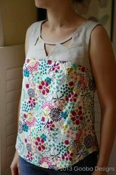 Deer & Doe Datura Blouse Pattern. Love the contrast of natural bare linen with a bright floral print!