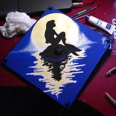2014 the Little Mermaid Graduation Cap by avataraera.deviantart.com on @deviantART// I love Ariel so much I put her on my cap, by Chaeliana Erkelens