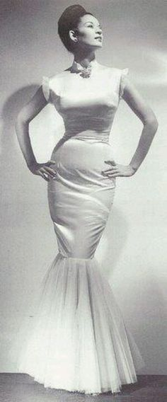 Sarah Harris first black model...I would love a wedding dress like this!