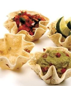 How to Make Taco Bowls with flour tortillas. It's Fiesta Time! Wow your family and friends with these edible serving bowls made with tortillas. Baked Taco Shells, Taco Salad Shells, Taco Salad Bowls, Taco Salads, Taco Shell Bowls, Recipes With Flour Tortillas, How To Make Tortillas, Mini Tortillas, Homemade Tortillas
